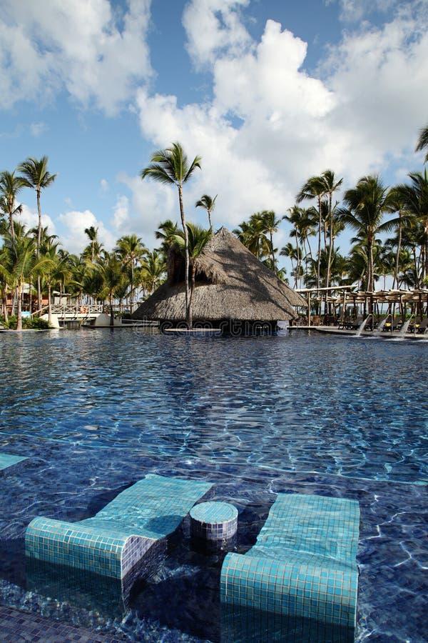 Piscine tropicale de station de vacances dans Punta Cana, République Dominicaine  photographie stock libre de droits