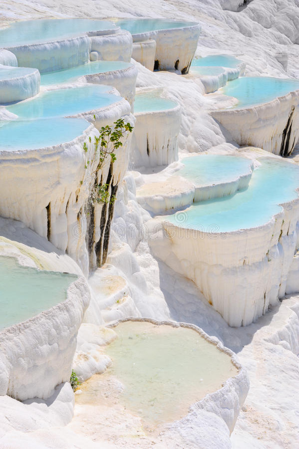 Piscines de travertin chez Hierapolis antique, maintenant Pamukkale, Turquie image stock