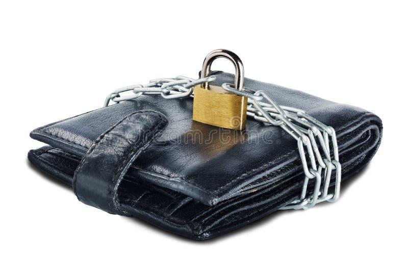 Piska plånboken med låset och kedjan på vit isolerad bakgrund Begrepp av skydd av elektroniska pengar och av personlig financ för arkivfoto