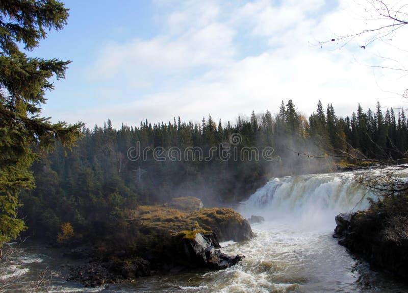 Piskew nedgångar, nordliga Manitoba nära Thompson royaltyfri fotografi