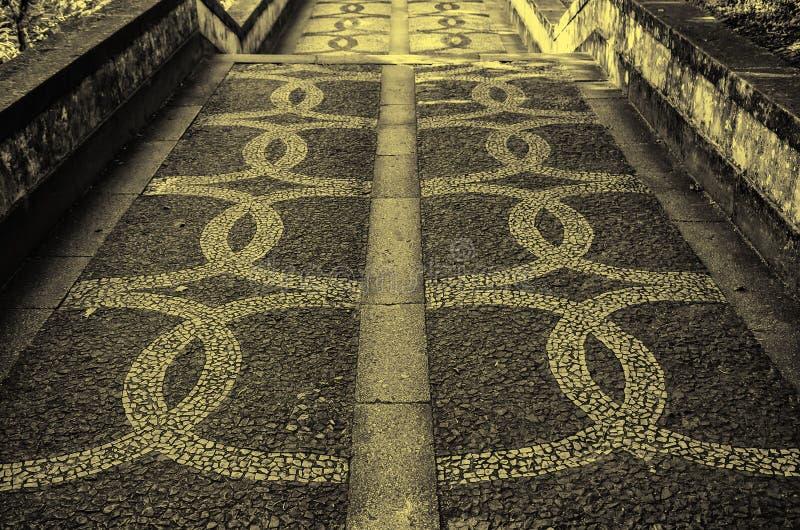 Piso de piedra t?pico de Lisboa imagen de archivo