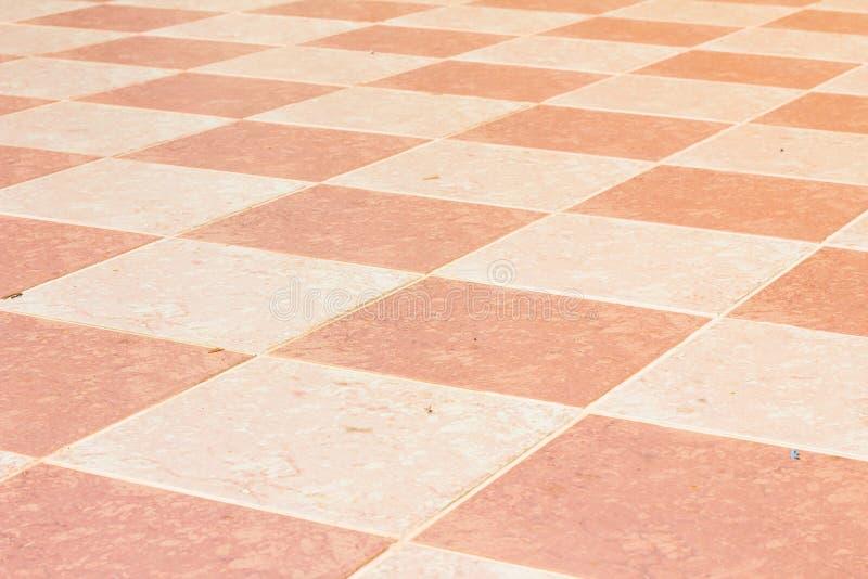 Piso tejado de cerámica viejo y pálido del templo en Tailandia, al aire libre fotografía de archivo