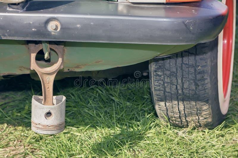 Pistão oxidado no carro fotos de stock royalty free