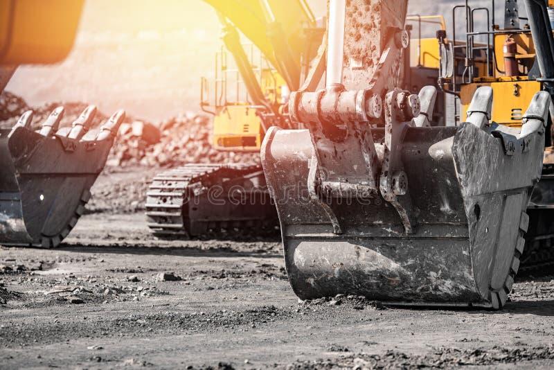 Pistão pneumático para tecnologia de máquinas Máquina de fixação para elevação da carga e das forças hidráulicas fotografia de stock