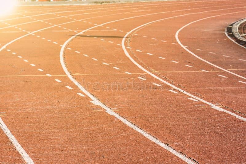 Pista de atletismo nos estádios para o esporte fotos de stock royalty free