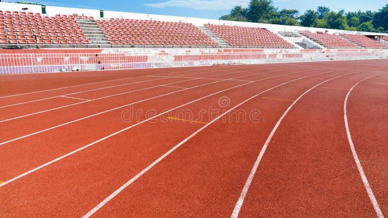 Pista de atletismo nova imagens de stock royalty free