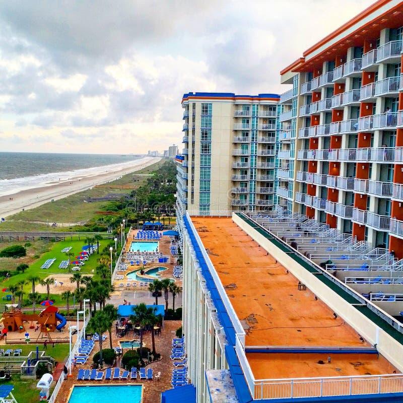 Pista de decolagem da praia do hotel fotos de stock