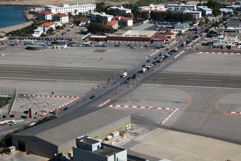 Pista de decolagem do aeroporto de Gibraltar fotografia de stock royalty free
