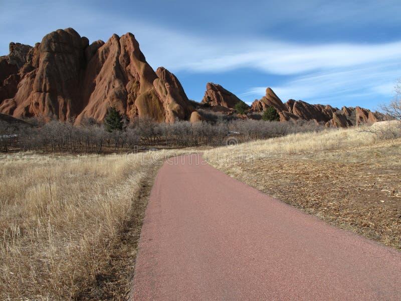 Pista de senderismo de invitación en Colorado fotografía de archivo libre de regalías