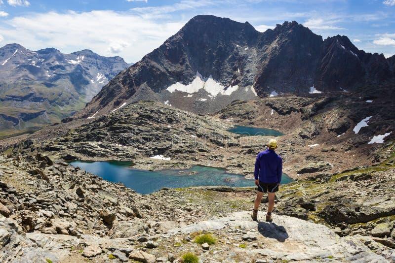 Pista de senderismo en el valle de Aosta, Italia imagen de archivo libre de regalías
