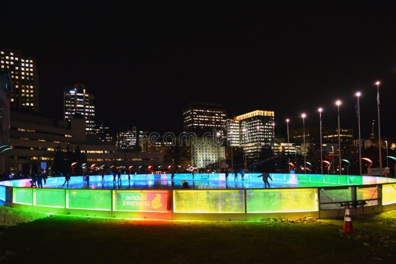 Pista de SENS dos sonhos em Ottawa na noite imagem de stock royalty free