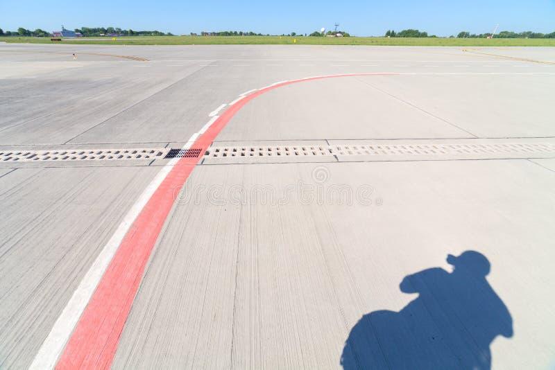 Pista del aeropuerto fotos de archivo libres de regalías