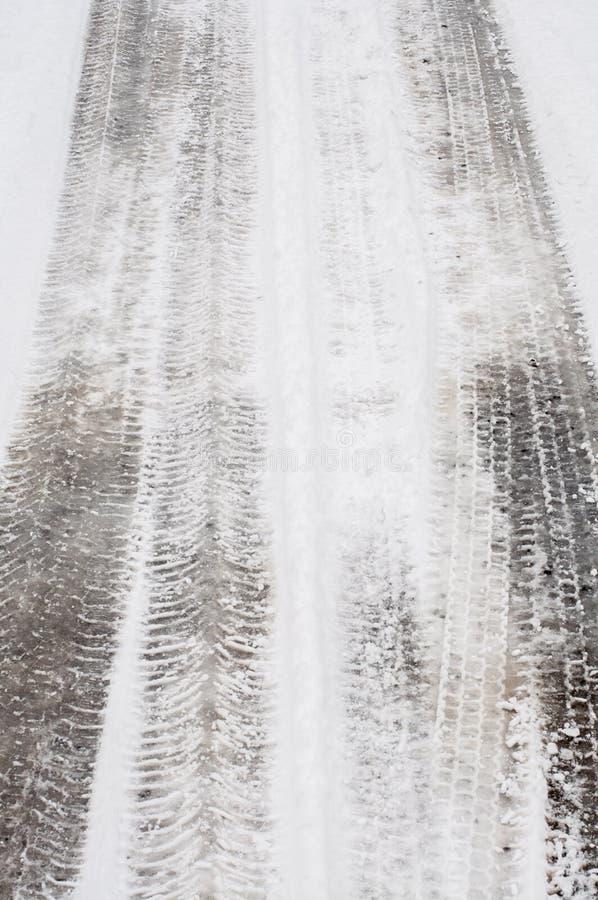 Pista del neum?tico en nieve fotos de archivo