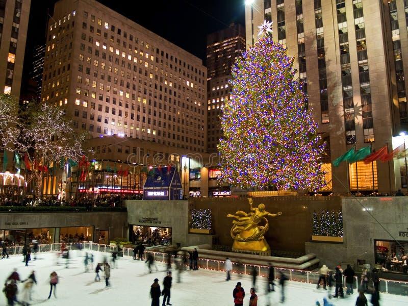 Pista di pattinaggio del ghiaccio ed albero Rockefeller 08_5 concentrare fotografia stock