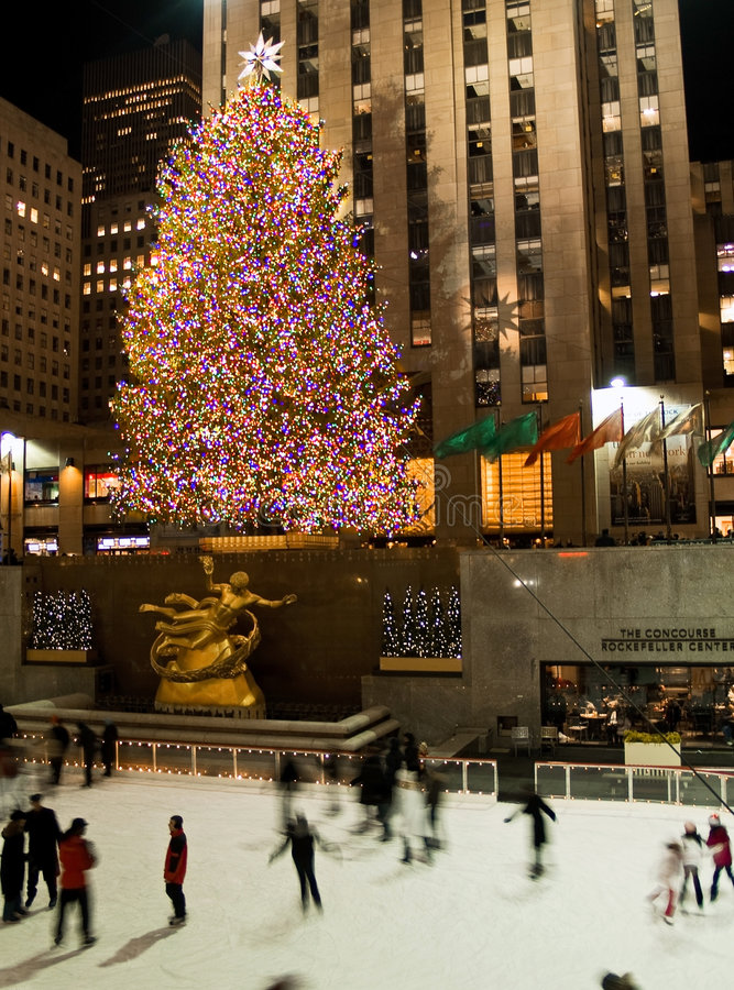 Pista di pattinaggio del ghiaccio ed albero Rockefeller 08_6 concentrare fotografia stock libera da diritti