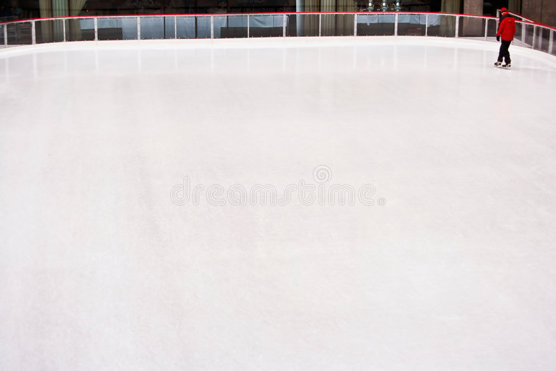 Pista di pattinaggio pattinare di ghiaccio immagine stock libera da diritti