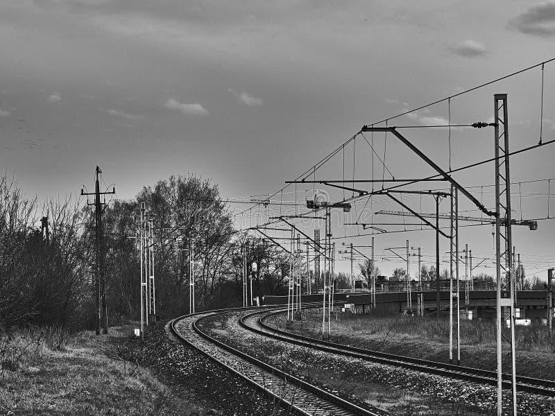 Pista e trazione della linea ferroviaria fotografia stock