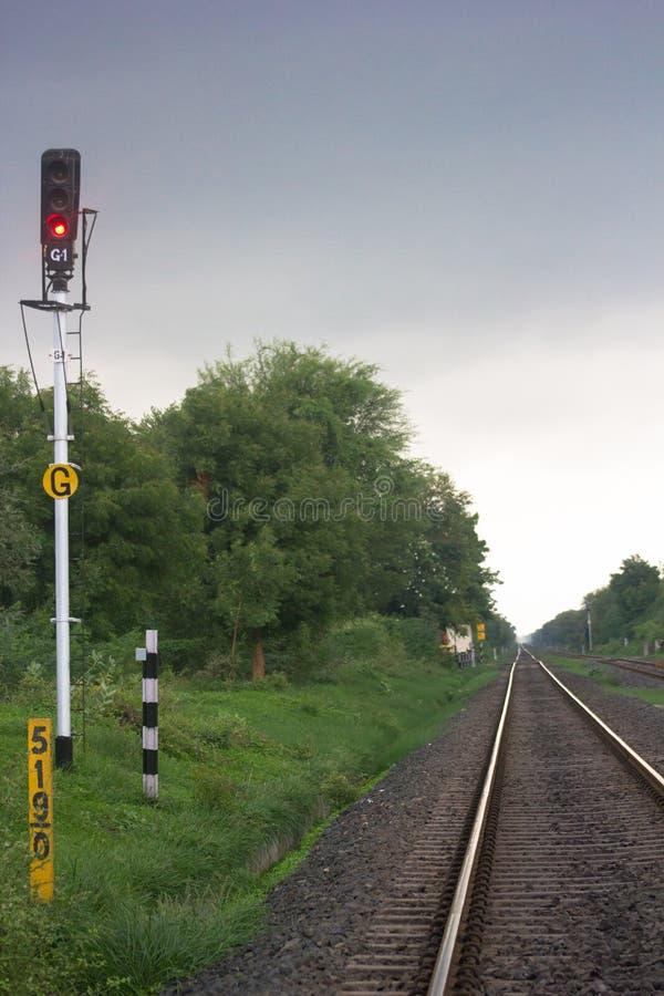 Pista ferroviaria en la India imagen de archivo libre de regalías