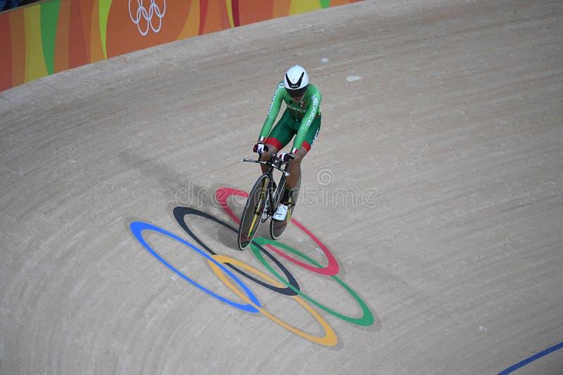 Pista que completa un ciclo en las 2016 Olimpiadas fotografía de archivo libre de regalías