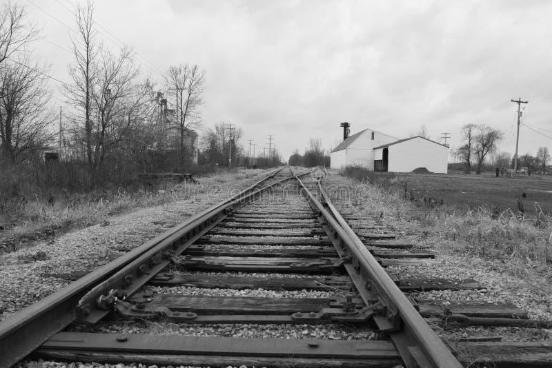 Pistas abandonadas del tren fotografía de archivo