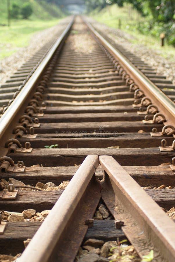 Pistas ferroviarias viejas fotografía de archivo libre de regalías