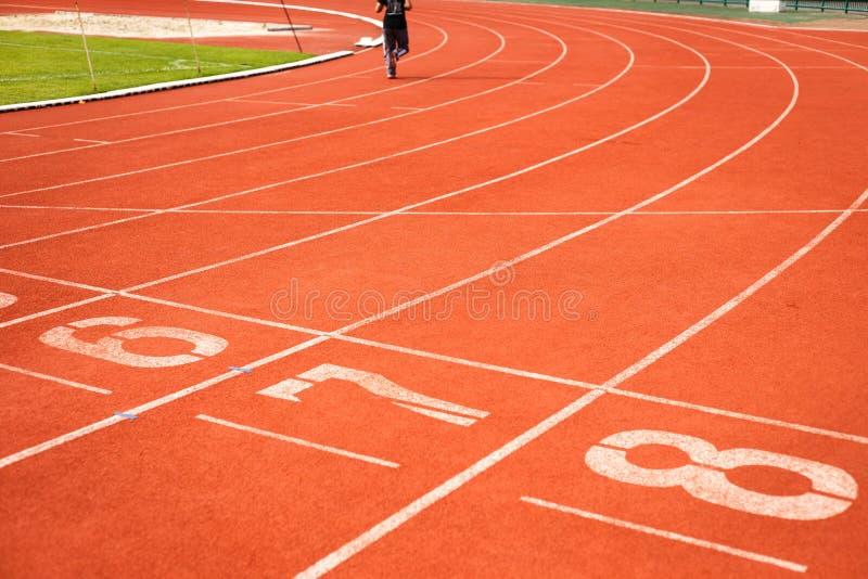 Piste courante pour l'athlétisme images stock