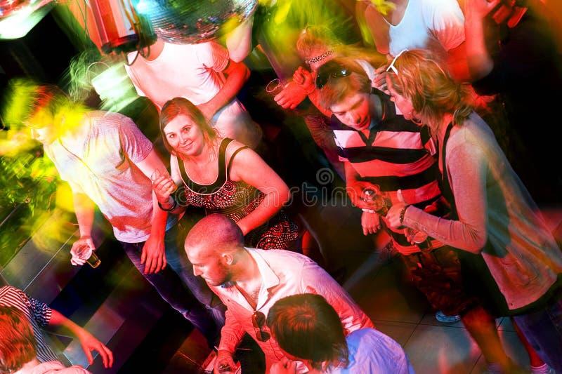 Piste de danse occupée images libres de droits