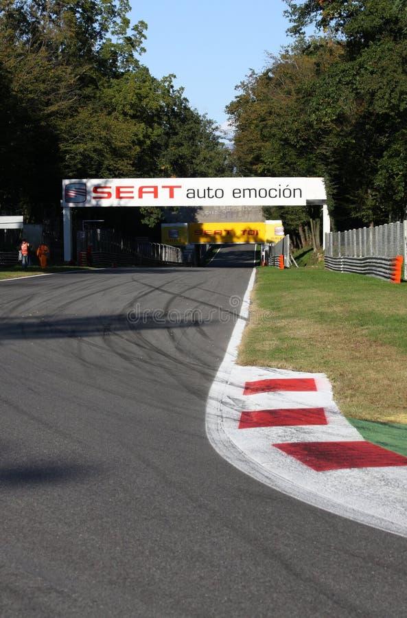 Download Piste de Monza photo stock éditorial. Image du chemin - 8654393