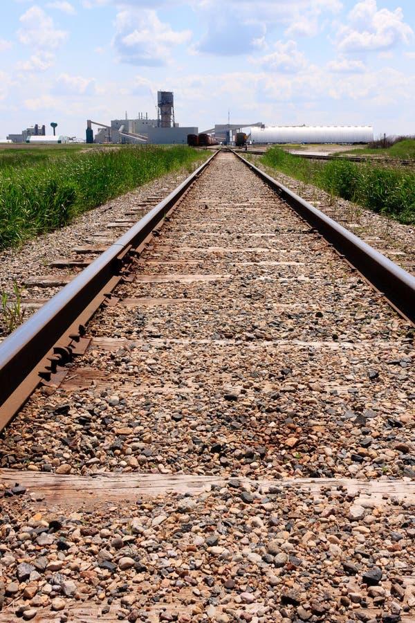 Piste del treno al luogo della miniera fotografia stock libera da diritti