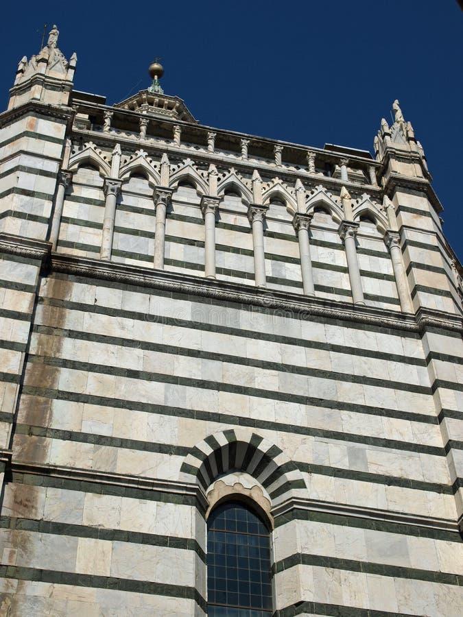 Pistoia - fachada do Baptistery fotografia de stock royalty free