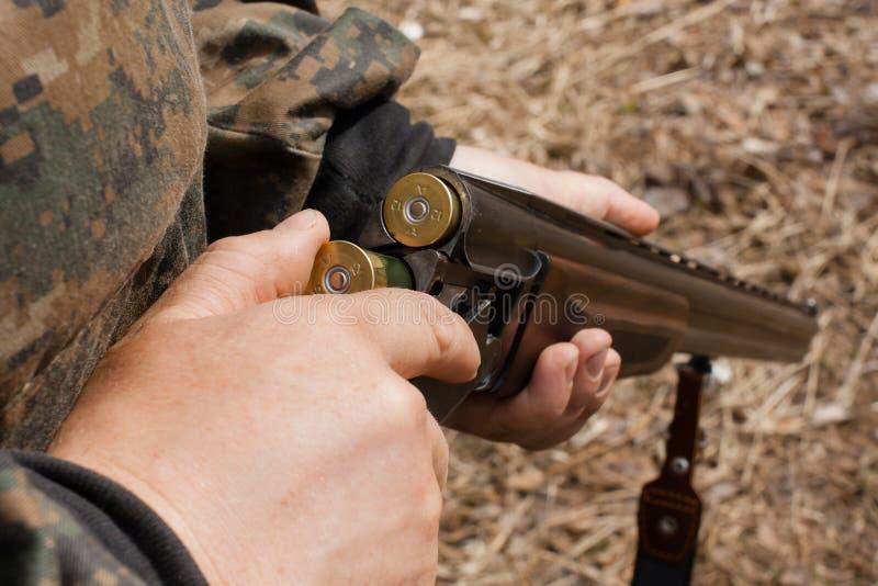 Pistola di caricamento fotografia stock libera da diritti