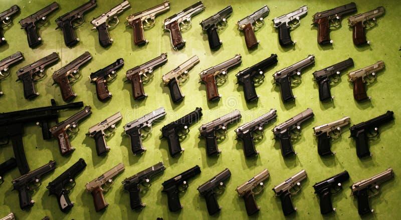Pistole da vendere fotografie stock libere da diritti