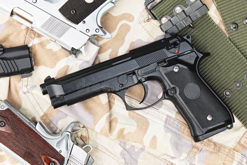 Pistole, halbautomatisch lizenzfreies stockfoto