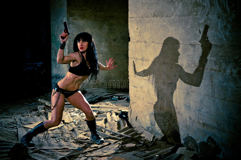 pistolecika seksowna kostiumu kobieta zdjęcia royalty free