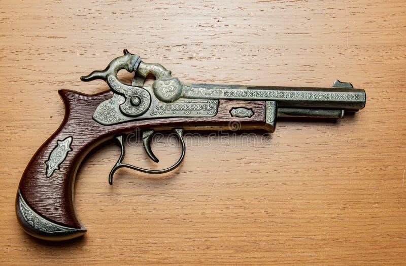 Pistolet antique d'arme ? feu images libres de droits