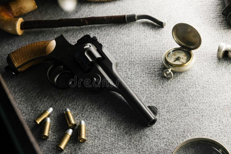 Pistolet i pocisk zdjęcie royalty free
