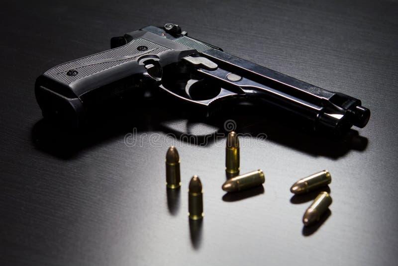 Pistolety i pociski zdjęcie stock