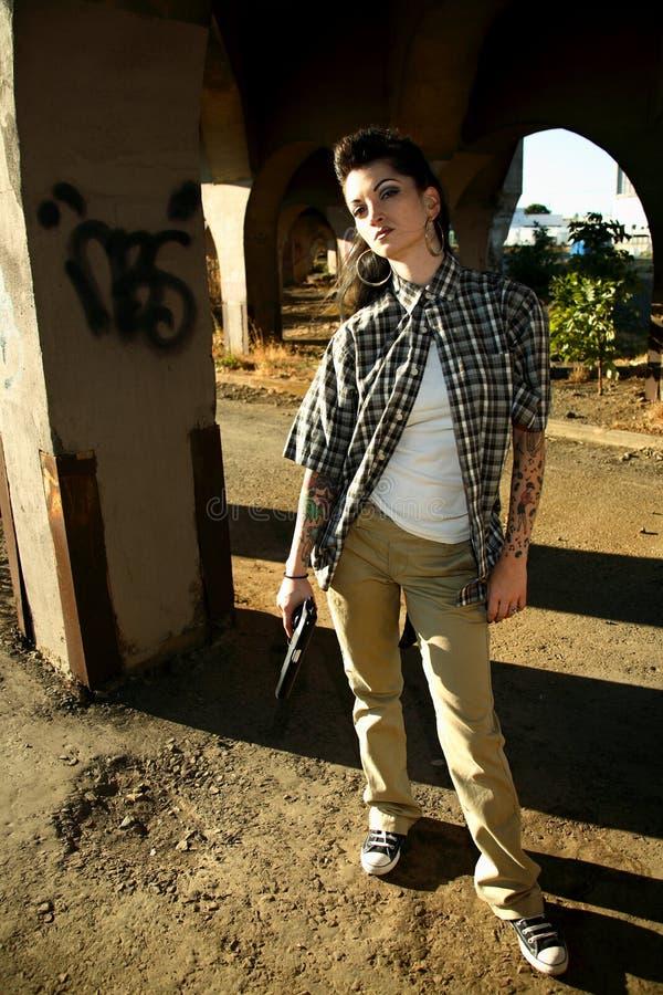 pistolkvinna royaltyfri fotografi