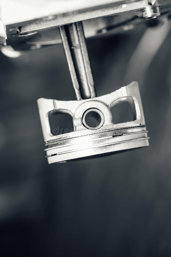 Piston de moteur, vue de plan rapproché photographie stock libre de droits