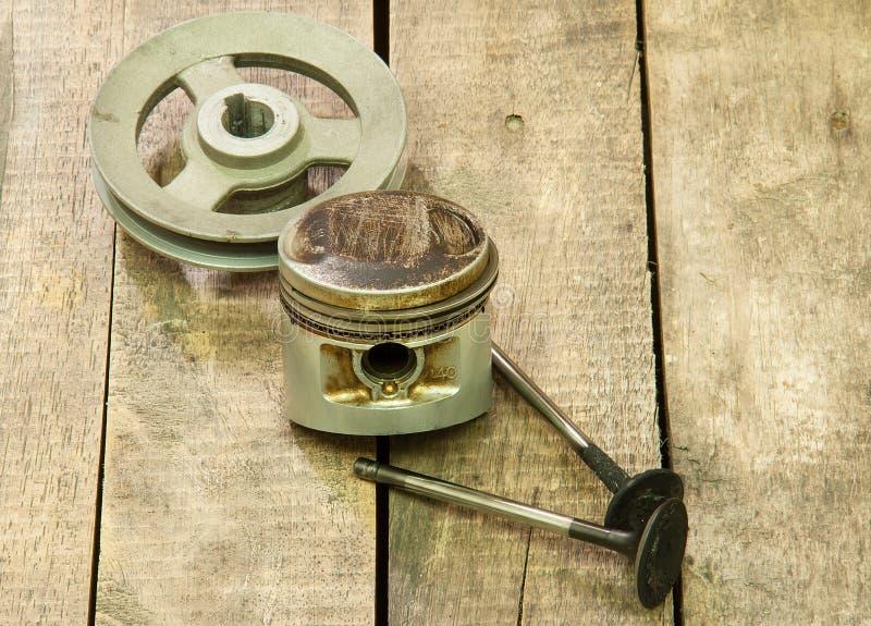 Piston, poulie, valves photographie stock libre de droits