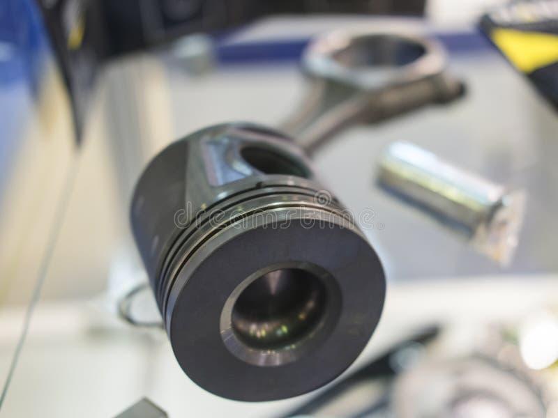 Pistong för bilmotor arkivbilder