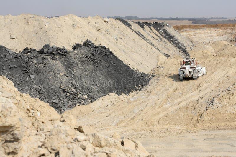Pit Coal Mining abierto y proceso imágenes de archivo libres de regalías