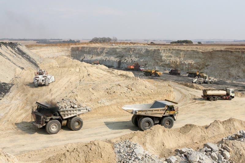 Pit Coal Mining abierto y proceso foto de archivo libre de regalías