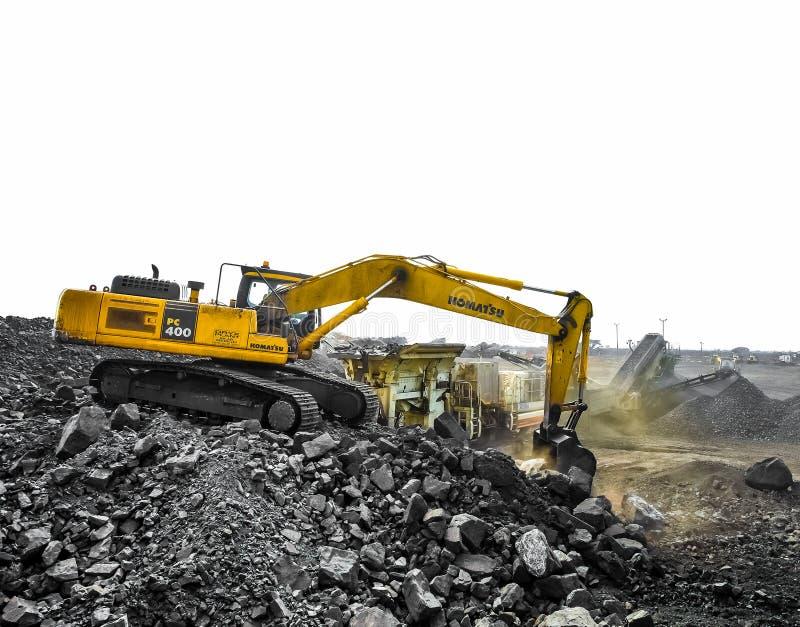 Pit Manganese Mining y equipo abiertos imagenes de archivo