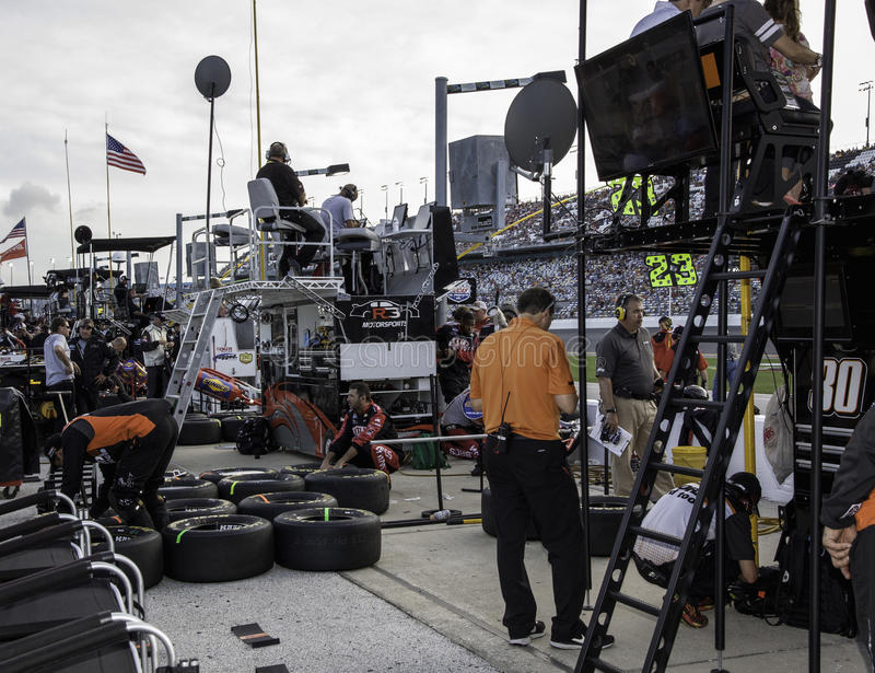 Download Pit Road editorial photography. Image of pits, mechanics - 34817317