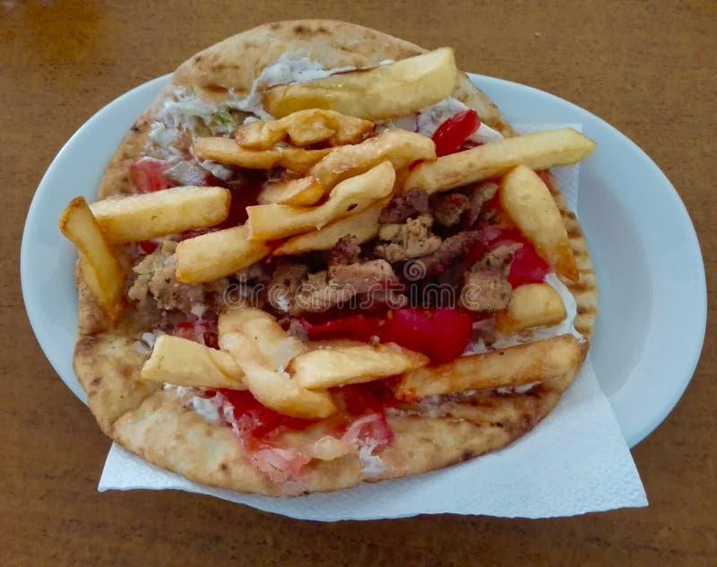 Pita Gyros, comida griega típica imagen de archivo libre de regalías