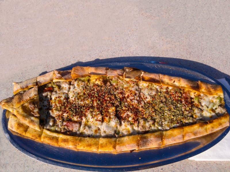 Pitabroodje met vlees stock afbeeldingen