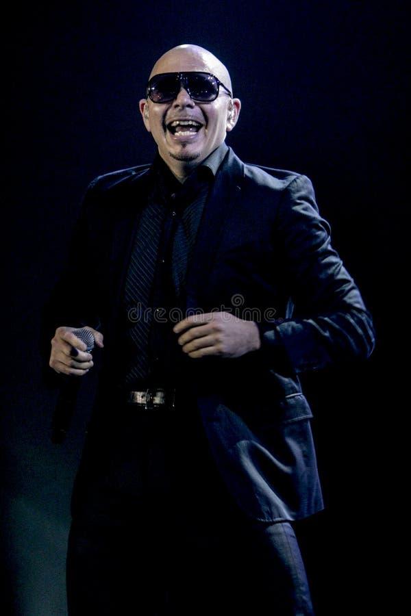 Pitbull exécute à Jakarta photos stock