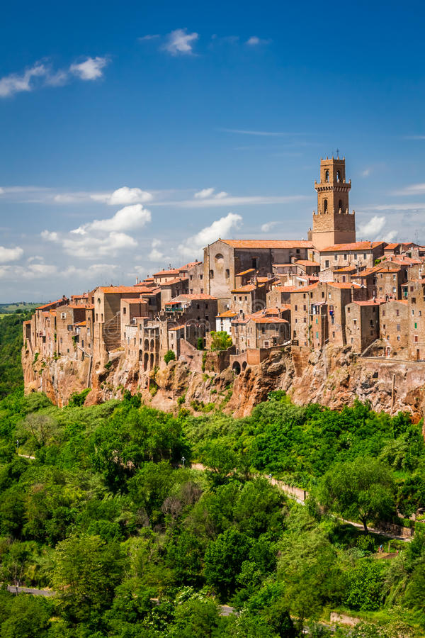 Free Pitigliano City On The Cliff Royalty Free Stock Image - 31514446