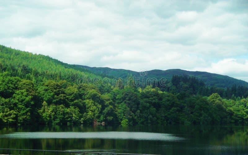 Pitlochery, Schottland - in der Liebe mit Natur lizenzfreie stockfotos